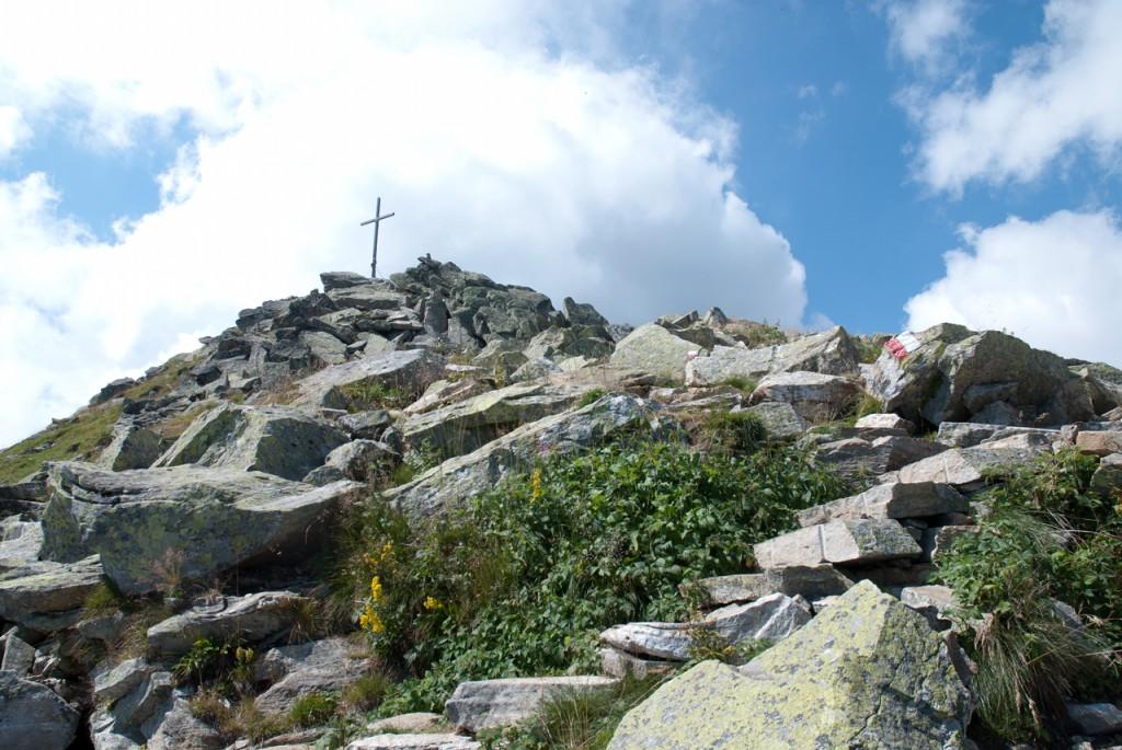 Das Gipfelkreuz der kommt in Sicht