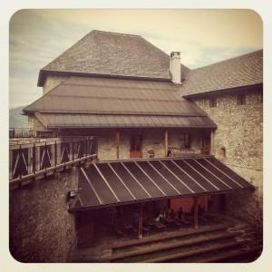 Burg Kaprun mit Burghof