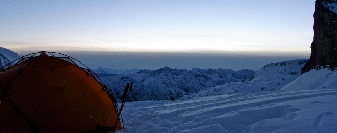 Schlafen im Schnee: Schneeschuhtour mit Biwak im Rofangebirge