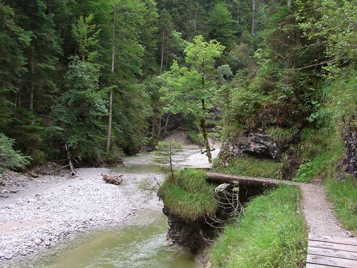 Weg durch die Finzbachklamm