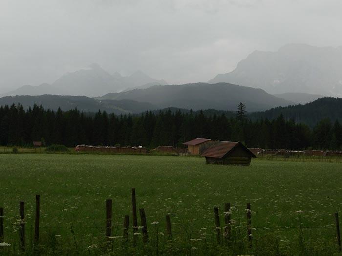 Regendampfende Wiesen zwischen Krün und Wallgau