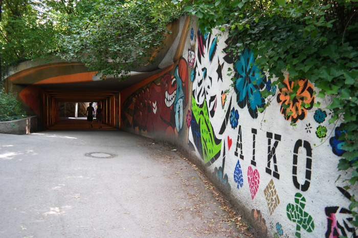 Ein Eingang zur Street Art Gallery unterm Friedensengel