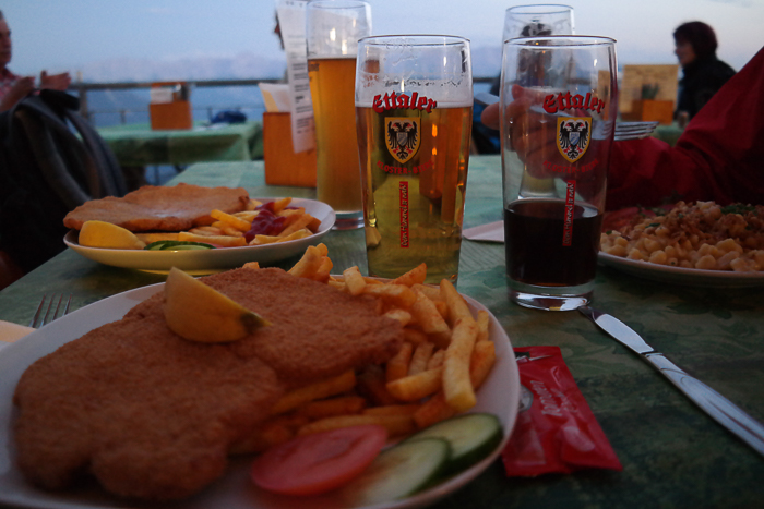 Abendessen in der Berggaststätte