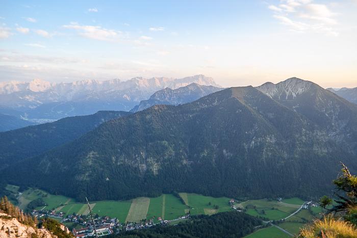 Ausblick auf Notkarspitze und Wetterstein