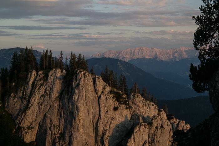 Das Wettersteingebirge in der Abendsonne