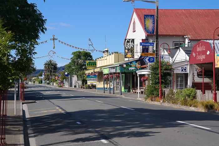 Leere Straßen in Takaka