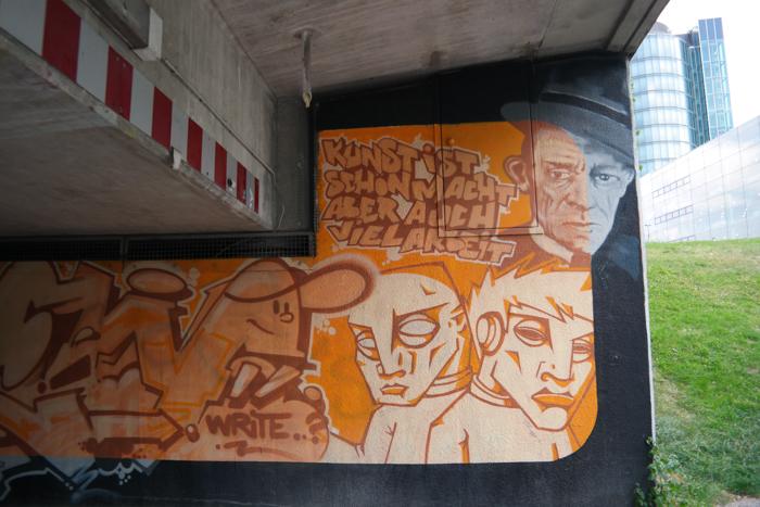 Kunst ist schön, macht aber auch viel Arbeit, Karl Valentin (Artist: Zement, Trim, Chew)