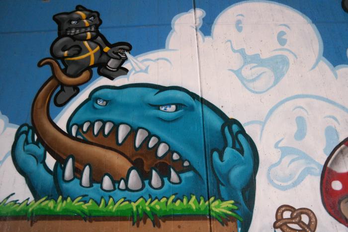 Street Art Gallery Donenrsberger Brücke