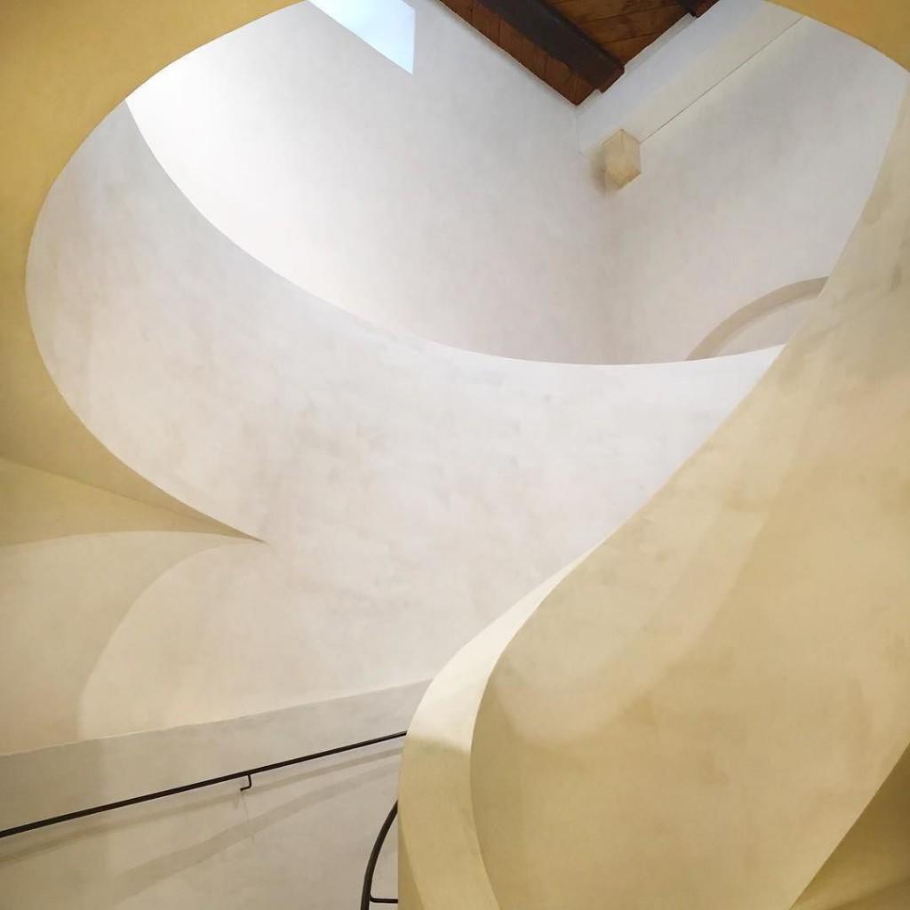 Treppen im Neubau des Museum Unterlinden in Colmar, Elsass