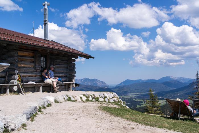 Hoher Kranzberg Gipfel mit Unterstandshütte