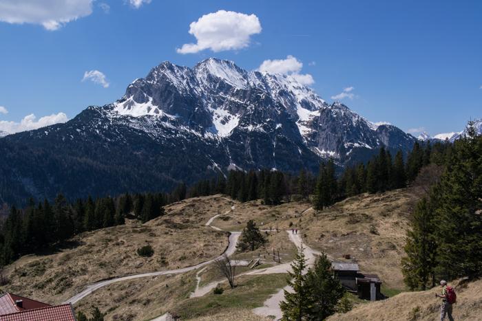 Blick auf das Wettersteingebirge vom Hohen Kranzberg Gipfel